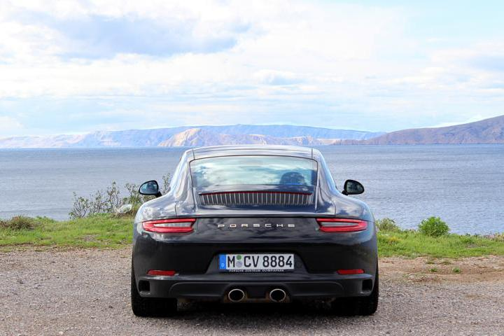 Porsche 911 Roadtrip