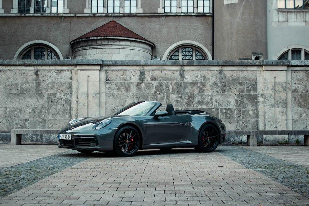 Porsche-911-992-carrera-s-cabrio-front
