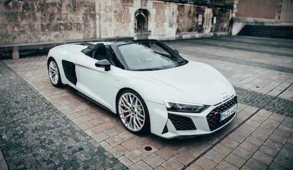 Audi R8 selber fahren und mieten